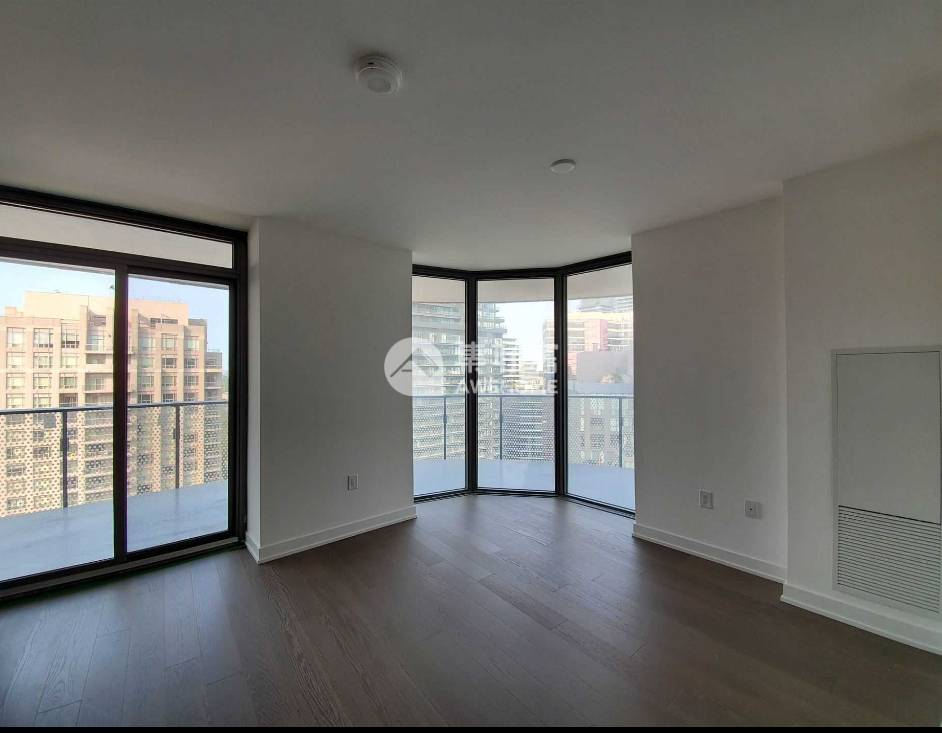 多伦多,明亮的2B 2B近市中心 多大全新的豪华公寓